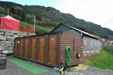 5 toaletter med urinal